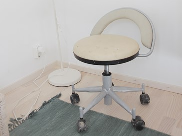 Chair (wheels)